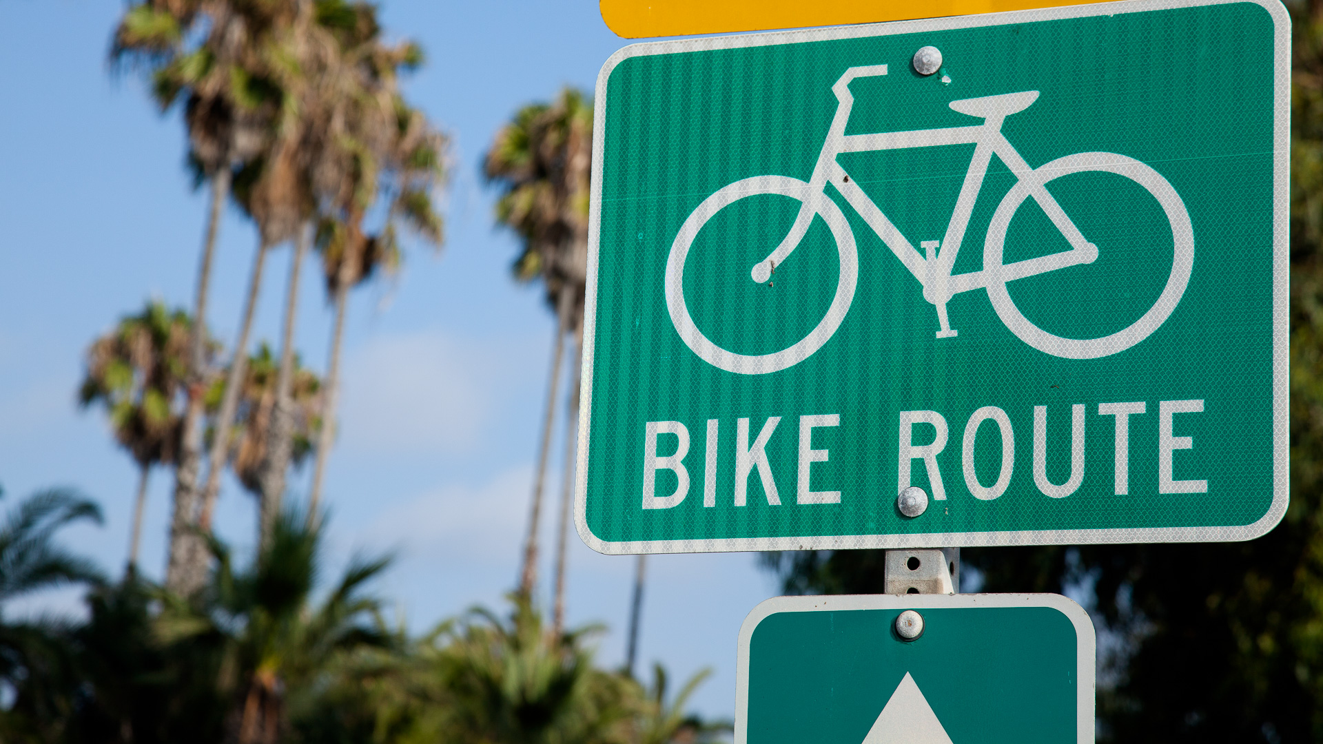 Bike_route_sign-1-2